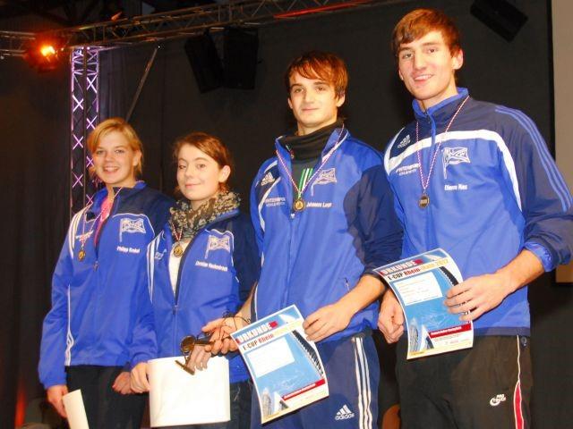 Foto (v.l.) : Gold für den Vereinsvierer mit Frederike Hackenbroch, Maximiliane Horz, Johannes Lange und Matthias Glaser.