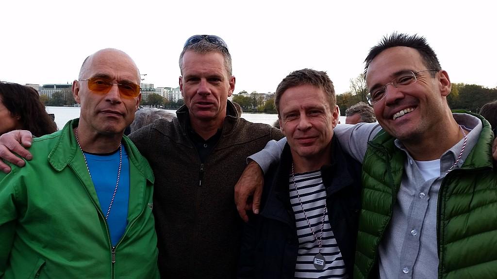 Klaus Schuy, Stefan Heyde (beide Limburger Club für Wassersport), Olaf Strauß (Berliner Ruderklub) und Kai-Uwe Jahnke (Hamburger und Germania-Ruderklub) nach der Siegerehrung