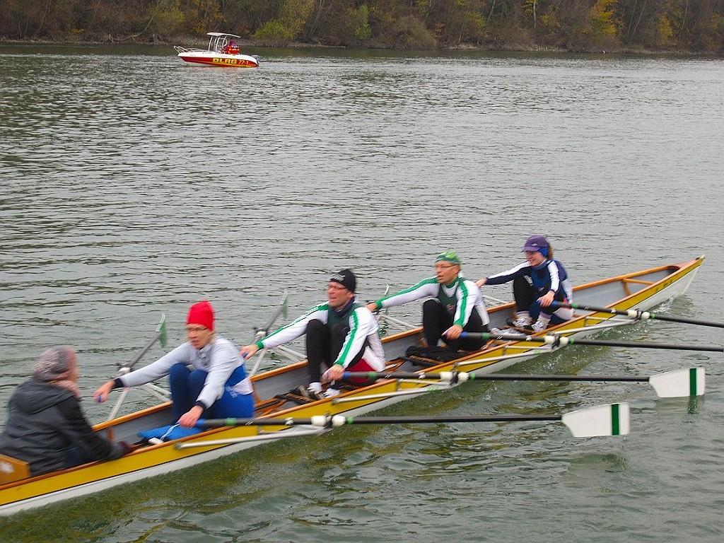 So sehen Sieger aus – mitten im Rennen (v.l.): Merle Scheiner, Claudia Fleckenstein, Wolfgang Friedrich, Jörg Scheiner und Jutta Will.