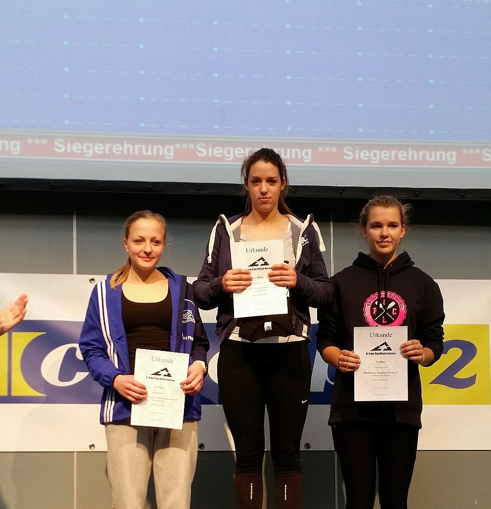 Sarjana Klamp (erste von links) erreichte den 2. Platz der Juniorinnen-B