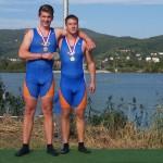 Tom Hinrichs und Felix Wüst (v.l.) holten eine Goldmedaille im Zweier-Ohne